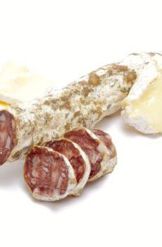franse droge worst met camembert